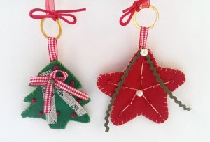 Set_of_felt_Christmas_ornaments