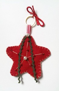 Set_of_felt_christmas_ornaments2